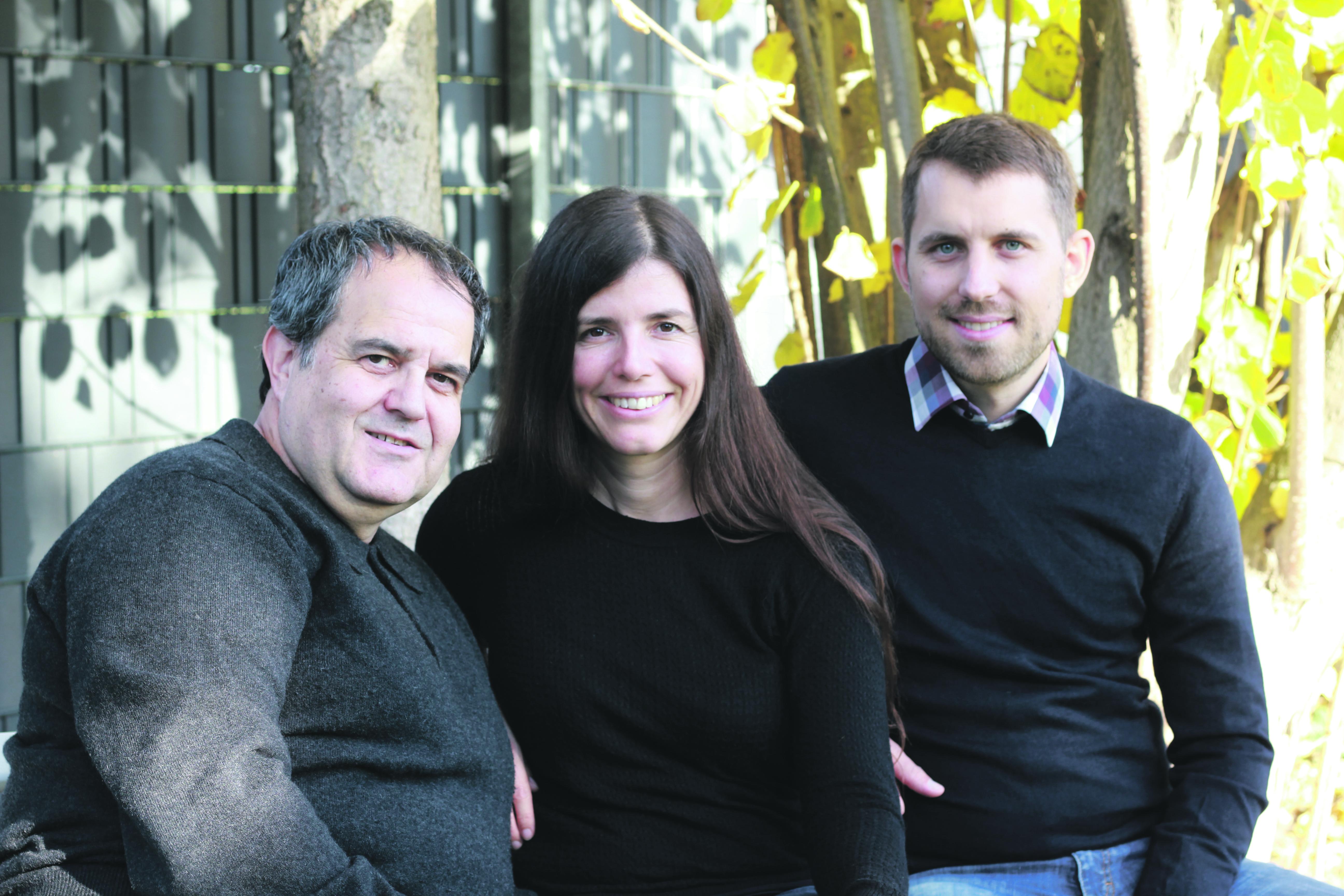 Quartiersmanager Liberto Balaguer mit Farina und Steffen